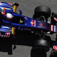 Daniel Ricciardo prueba las mejoras en el STR7