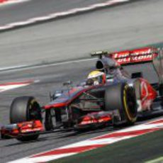 Lewis Hamilton pone a punto su MP4-27
