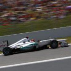 Michael Schumacher exprime su W03 en clasificación