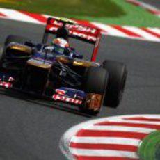 Jean-Eric Vergne toma una curva en la sesión de clasificación