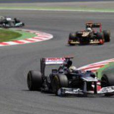 Pastor Maldonado sale de una curva durante la carrera en Montmeló