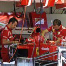 Trabajo en el box de Ferrari en Mónaco