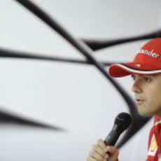 Felipe Massa habla con la prensa en Montecarlo