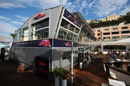 Motorhome de Red Bull y Toro Rosso en el GP de Mónaco 2012