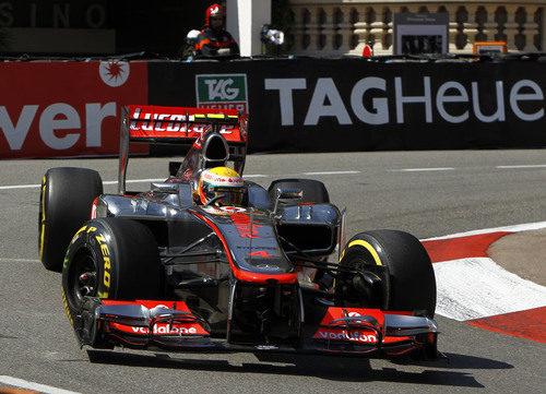 Lewis Hamilton rueda en el circuito de Mónaco