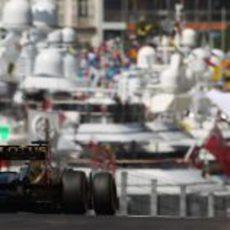 Trasera del Lotus E20 en Mónaco