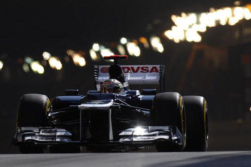 Pastor Maldonado sale del túnel del GP de Mónaco