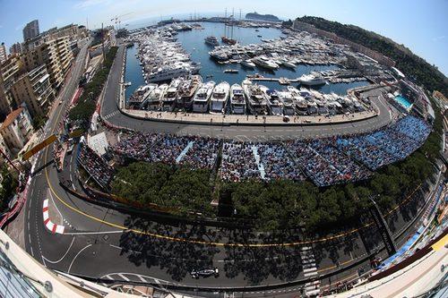 Pastor Maldonado rueda con el FW34 en Mónaco