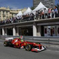 Felipe Massa rueda en los libres del GP de Mónaco