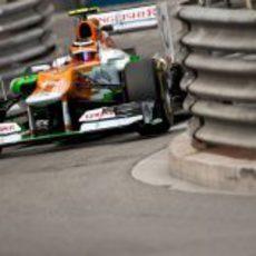 Nico Hülkenberg entre las curvas del circuito de Mónaco