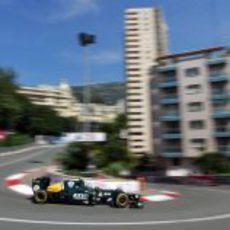 Vitaly Petrov durante los Libres 1 del GP de Mónaco