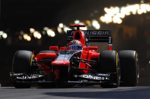 Timo Glock sale del túnel en Mónaco