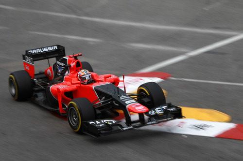 Timo Glock 'vuela' con su coche en Mónaco