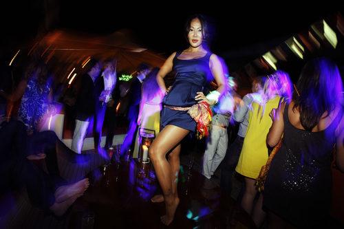 Una chica en la fiesta de Force India