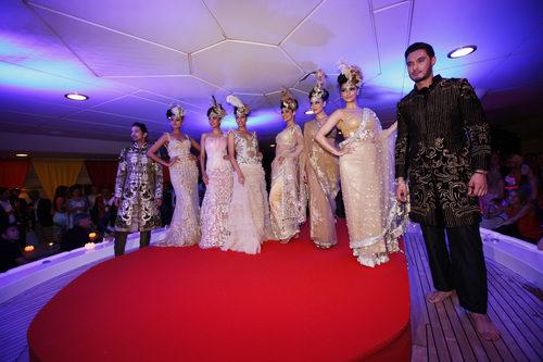 Glamour y chicas en la fiesta de Force India