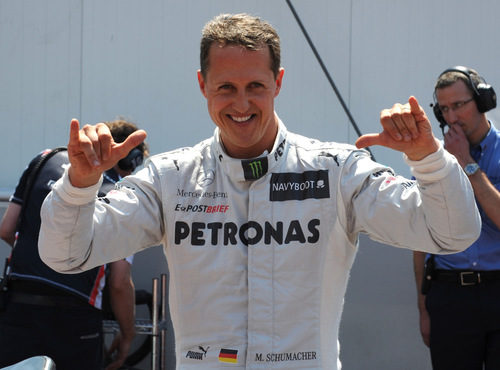 Michael Schumacher celebra el mejor crono del sábado
