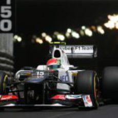 Sergio Pérez sale del túnel en Mónaco