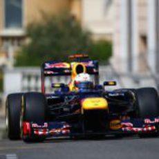 Sebastian Vettel rueda con los neumáticos blandos en Mónaco