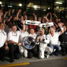 El equipo de Brawn GP celebra su victoria