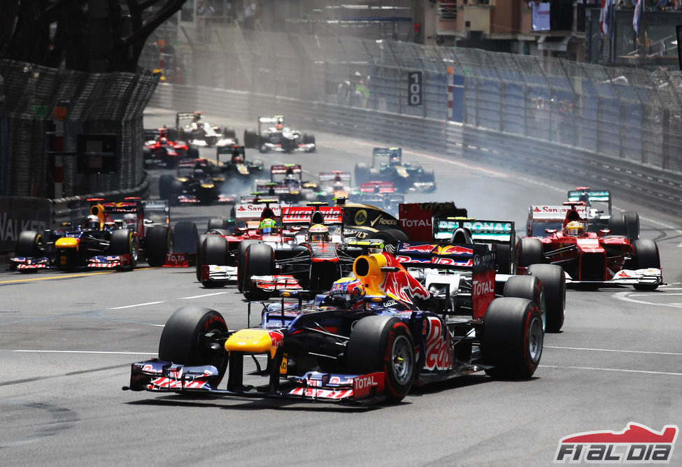 Mark Webber se mantiene primero en la salida del GP de Mónaco 2012
