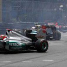 Kamui Kobayashi vuela en al salida del GP de Mónaco 2012