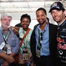 George Lucas, su novia Mellody Hobson y el actor Cuba Gooding Jr. junto a Mark Webber