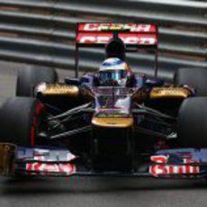 Jean-Eric Vergne toma una curva en Mónaco