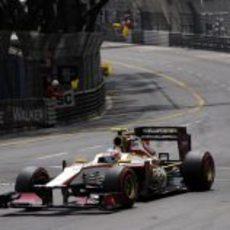 Narain Karthikeyan rueda en el Gran Premio de Mónaco 2012