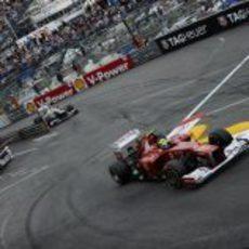 Felipe Massa trata de progresar en las calles de Mónaco