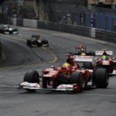 Los dos pilotos de Ferrari durante el Gran Premio de Mónaco