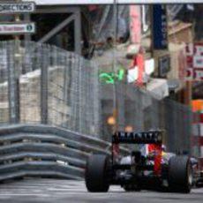 Mark Webber mantiene la primera posición en Mónaco
