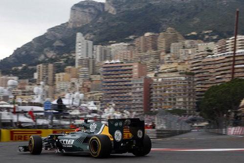 Vista trasera del Caterham de Heikki Kovalainen