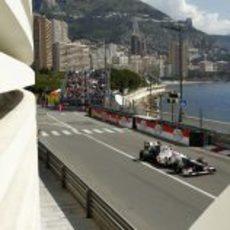 Kamui Kobayashi exprime el C31 en la carrera de Mónaco
