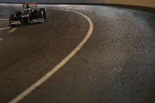 Bruno Senna cruza el túnel de Móanco