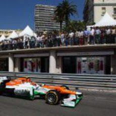 Nico Hülkenberg completa una vuelta más en la clasificación del GP de Mónaco