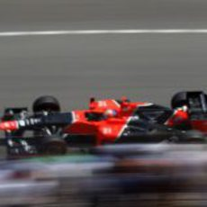 Timo Glock vuela en el circuito monegasco