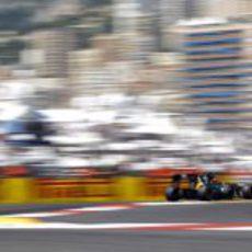 Kovalainen conduce el CT01 por las calles de Mónaco