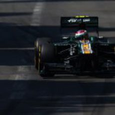 Vitaly Petrov durante los Libres 3 del GP de Mónaco