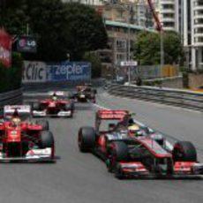 Lewis Hamilton y Fernando Alonso en Mónaco