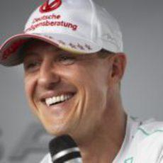 Michael Schumacher responde a la prensa en Montreal 2012