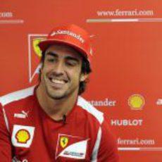 Fernando Alonso muy sonriente en Canadá 2012