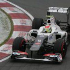 Sergio Pérez a bordo de su Sauber en los libres de Canadá
