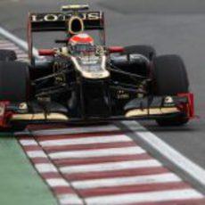 Romain Grosjean entra en una recta en Montreal