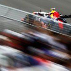 Mark Webber pilotando su RB8 en los libres del GP de Canadá
