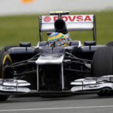 Bruno Senna trata de progresar en el circuito Gilles Villeneuve