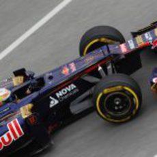 Jean Eric-Vergne dando una vuelta al circuito Gilles Villeneuve con su STR7