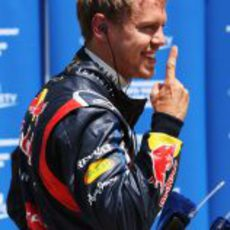 Sebastian Vettel vuelve a levantar su dedo en Montreal