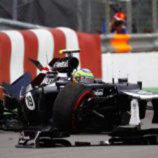 Accidente de Bruno Senna en los libres del GP de Canadá 2012