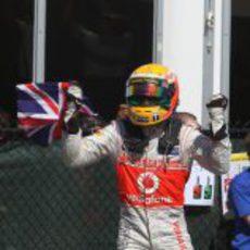 Lewis Hamilton celebra su victoria en Canadá 2012