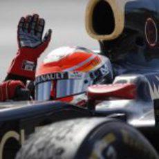 Romain Grosjean saluda al público